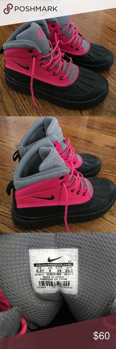 Pink Nike ACG Boots! Worn once! ✨