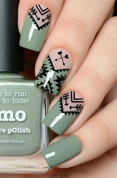 Geometric Nail Art Ideas - New Year Nails The whole world of fashion, and so does the manicure world is full of very beautiful, original and creative Cute Nail Art, Beautiful Nail Art, Geometric Nail Art, Nagellack Trends, Super Nails, Stylish Nails, Beauty Nails, Diy Beauty, How To Do Nails