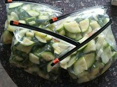 Living the Rustic Life: Freezing Zucchini