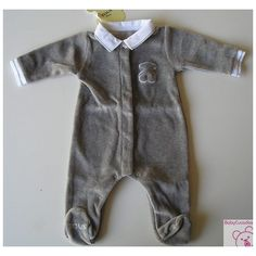 PELELE BABY TOUS ROLLING-101. Precioso pelele de niño tundosado de la colección Baby Tous. LLeva el cuello y los puños de batista. Disponible en celeste y gris marengo.
