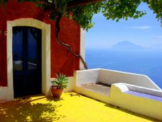 Alicudi , sorry I don't remember the author . You can find him with Google images , in case . #lipari #eolie
