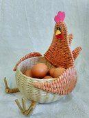 Pin by Guillermina gonzalez on guilla Paper Basket Weaving, Straw Weaving, Willow Weaving, Diy Crafts Slime, Easy Diy Crafts, Fun Crafts, Handmade Crafts, Newspaper Basket, Newspaper Crafts