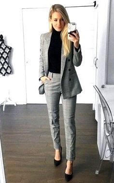 45 Professional Work Outfits For Winter 2020 - business professional outfits for interview Business Professional Outfits, Business Outfits Women, Office Outfits Women, Professional Dresses, Casual Work Outfits, Winter Outfits For Work, Work Attire, Work Casual, Woman Outfits