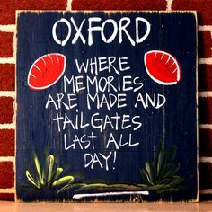 College Tailgating Signs