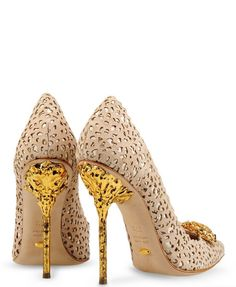 Amazing with this fashion pumps! get it for 2016 Fashion Christian Louboutin Pumps for you! Fab Shoes, Dream Shoes, Pretty Shoes, Crazy Shoes, Beautiful Shoes, Me Too Shoes, Shoes Heels, Gold Heels, Unique Shoes
