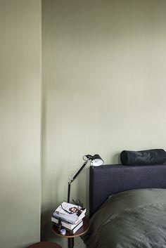 Schlafzimmer, Wohnen, Grau Gestrichene Wände, Graue Innenräume,  Schlafzimmer Schränke, Innenarchitekten,