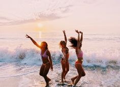 See more of fatmoodz's content on VSCO. Cute Beach Pictures, Cute Friend Pictures, Best Friend Pictures, Bff Pics, Friend Poses, Beach Poses, Summer Goals, Cute Friends, Best Friend Goals