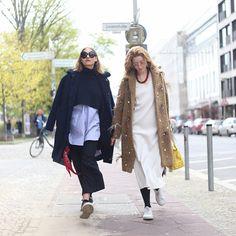Catching #Streetstyle, catching #YOU - Eine neue Runde unserer Streetstyle-Session in Berlin steht in den Startlöchern. Diesmal haben wir diese wunderschönen Ladies geshootet. Mehr dazu kannst du in unserem Shop lesen #Fashion #FashionBlogger #Prada #Streetstyle #Coat #Spring #Blog #Inspiration #Mode #Outfit #Look #Model