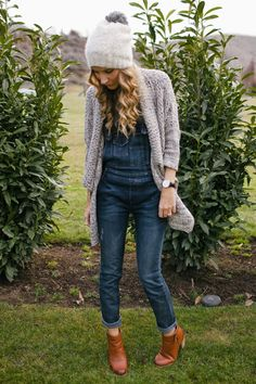 Overall - Fall Style - Modes Denim Overalls Outfit, Overalls Women, Overalls Style, Dungarees, Skinny Overalls, Overalls Fashion, Look Fashion, Girl Fashion, Fashion Outfits