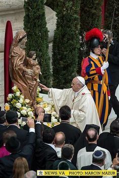 """Pope to priests: 'If you don't want Our Lady as your mother, you'll end up having her as your mother-in-law & that's not good""""  I love it! The Pope has a GREAT sense of humor. (FR. Rocky FB PG.)"""