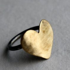 i like this heart ring.