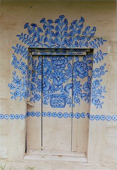 La maison peinte de Felicja Curyłowa à Zalipie. | Flickr - Photo Sharing!