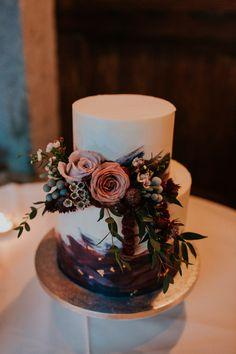 New Wedding Bohemian Cake Flower 52 Ideas White Wedding Cakes, Wedding Cupcakes, Purple Wedding, Autumn Wedding Cakes, Cheesecake Wedding Cake, Lace Wedding, Floral Wedding, Bohemian Cake, Bohemian Wedding Cakes