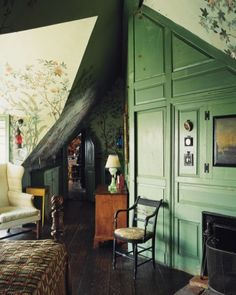Home Tour: A Design Pioneer's House Vintage Interior Design, Interior Design Inspiration, Vintage Interiors, Room Inspiration, Design Ideas, Beautiful Space, Beautiful Homes, Pioneer House, Attic Rooms