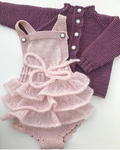 Best Ideas For Baby Girl Crochet Blanket Pattern Outfit Baby Girl Crochet Blanket, Crochet Baby, Knitting For Kids, Baby Knitting Patterns, Baby Outfits, Clothing Patterns, Dress Patterns, Baby Girl Fashion, Kids Fashion