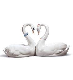 #Lladro 06585 ENDLESS LOVE http://www.lladrofromspain.com/06enlov.html