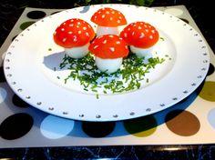 Kobieta Gotuje: Muchomory- Jajka z pomidorowymi kapelusikami