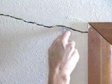 How to Cover a Ceiling Crack | how-tos | DIY
