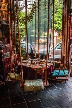 Cafe Design, House Design, Deco Restaurant, Modern Restaurant, Restaurant Interior Design, House Rooms, Interior And Exterior, Interior Doors, Interior Paint