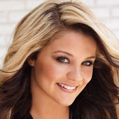 Lauren Alaina!! Need to add a bit more dark under my blonde but this is my hair color!! Love her to death!!