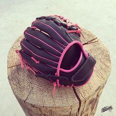 Gloveworks Softball Glove - Pink glove for Katrina. Softball Fever! Build your softball glove with Gloveoworks.net Glove Builder!