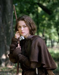 Keira Knightley as Robin Hood's daughter Gwyn in 'Princess of Thieves' Keira Knightley, Keira Christina Knightley, Robin Hood, Foto Gif, Female Character Inspiration, Story Inspiration, Poses, Medieval Fantasy, Archery