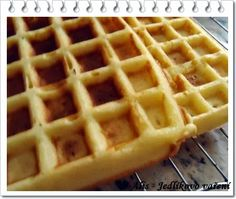 Jedlíkovo vaření: Domácí křupavé vafle Sweet Recipes, Food And Drink, Baking, Breakfast, Adhd, Cook, Coffee, Decor, Hampers