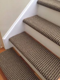 Carpet Runners And Stair Treads Key: 9309041860 Wall Carpet, Diy Carpet, Bedroom Carpet, Living Room Carpet, Carpet Ideas, Carpet Trends, Bullnose Carpet Stair Treads, Carpet Staircase, Stairs With Carpet Runner