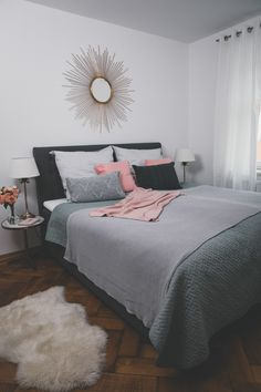 Unser neues Schlafzimmer mit einem Boxspringbett Josie Loves, Bed, Room, House, Furniture, Home Decor, Flat, Decorating Bedrooms, Bedroom Ideas