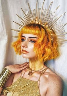 Editorial art- orange hair and gold everything.  Makeup art, hair art, costume art, editorial art look Black Curls, Black Hair, Black Women Hairstyles, Cool Hairstyles, Halloween Looks, Trendy Hair, Hair Ideas, Game Of Thrones Characters, Costumes