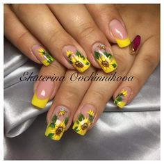 Одноклассники Gel Nail Art Designs, Flower Nail Designs, Yellow Nails, Pink Nails, Nail Art Inspiration, Sunflower Nail Art, Rose Nails, Pretty Nail Art, Cute Acrylic Nails