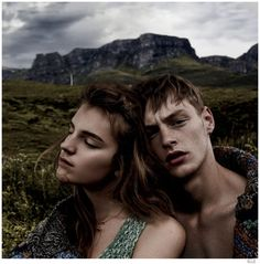 Paradise Isle-A current face of Hunter Original, model Roberto Sipos graces the pages of Elle's September 2014 issue. Joining Laura Kampman, Roberto stars in a picturesque story lensed by photographer Laurie Bartley. Wearing a wardrobe of cozy fall knits and outerwear that capture the spirit of autumn, Roberto is styled by Samira Nasr.    ...