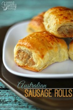 Australian Sausage Rolls: These Sausage Rolls make a yummy and easy appetizer or meal! They are really popular in Australia and Europe. They are commonly served for breakfast and lunch and many times as an appetizer, just cut a little smaller. Finger Food Appetizers, Finger Foods, Appetizer Recipes, Recipes Dinner, Dinner Ideas, Tapas, Pastry Recipes, Cooking Recipes, Bread Recipes