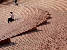 Great place to sit & people watch - Pioneer Courthouse Square, Portland, Oregon Amphitheater Architecture, Brick Architecture, Architecture Details, Landscape Architecture, Landscape Stairs, Urban Landscape, Landscape Design, Red Brick Paving, Brick Steps
