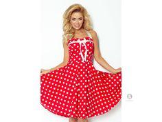 5b6f56a1e8e4 Originální retro šaty s rozšířenou sukní a šněrováním na zádech. Populární  retro styl