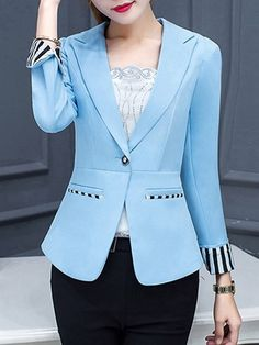 blazer and tshirt outfit How To Wear Blazers, Blazers For Women, Suits For Women, Clothes For Women, Ladies Blazers, Blazer Outfits Casual, Blazer Fashion, Dress Outfits, Blazer Pattern