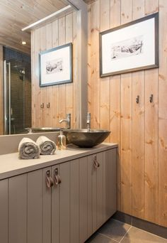 dårlig - Lilly is Love Double Vanity, Cosy, Sink, Cabin, Bathroom, Inspiration, Home Decor, Cottage Ideas, Danish
