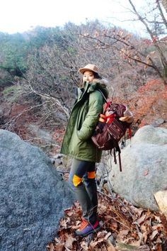 hiking fashion, street fashion of real people. www.seoulthespot.com
