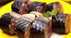 Предлагаем вашему вниманию интересный рецепт маринованной скумбрии: она получается повкусу,как красная рыба. Ееможно будет нетолько подать настол скартошкой,ноииспользовать для приготовления закусок(вместо красной рыбы): получится намного бюджетнее. Скумбрия вэтом маринаде получается очень нежной,ароматной иневероятно вкусной. Такая рыба уместна налюбом столе. Результат всегда поразительный: рука сама тянется заследующим кусочком. Такая рыба уместна налюбом столе! Как вкусно…