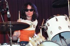 Tommy Ramone: Tommy Ramone of The Ramones on drums