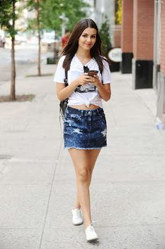 Victoria justice in mini skirt nyc june 2015 1 - JattIMG - Free Image Hosting - . Vicky Justice, Victoria Justice Style, Victorious Justice, Skirt Fashion, Fashion Outfits, Bikini Fashion, Harajuku Fashion, Up Girl, Classy Outfits
