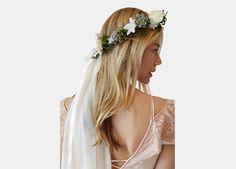 Crowns – Stone Fox Bride
