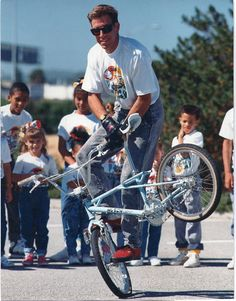 Freestyle pro Rick Allison's new Hutch freestyle bicycle, this next generation bike was a one off, a Trick Star successor, never made it into production due to Hutch bankruptcy in the late 80's.
