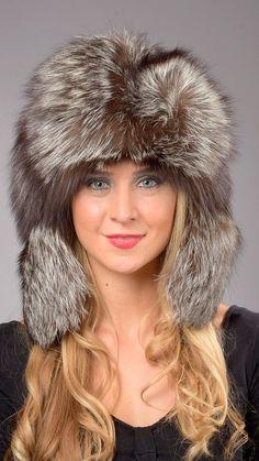 Cappello in pelliccia di volpe argentata  www.amifur.it