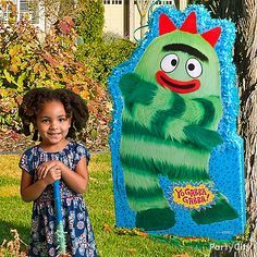 Things are looking up... way up... in Gabba Land! Fill it with candy, favors and treats, and this giant Yo Gabba Gabba piñata becomes the most anticipated activity at the birthday party!