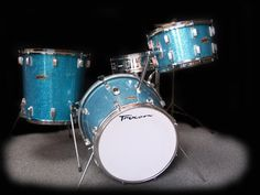 The Trixon Telstar. Note the drums are bigger on top than they are on the bottom. I think the toms are difference, and the bass drum is difference. Drums For Kids, Music For Kids, Drums Artwork, Vintage Drums, Drum Lessons, Drum Kits, Percussion, 3d Printing, Shells