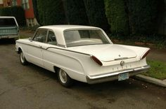 My uncle Frank had a car like this. 1960 Ford  Comet. I thought it was ugly! 😝