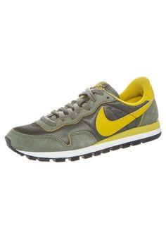 Nike Sportswear - AIR PEGASUS 83 - Zapatillas - iron green/gold lead-sail-black