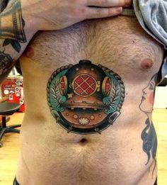 Resultado de imagem para escafandro espacial tatuagem