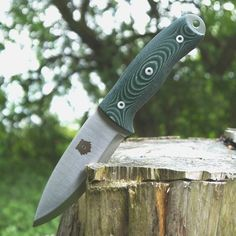 The TBS Grizzly is hybrid of the size and weight of a survival knife but with a more ergonomic handle and a scandi grind